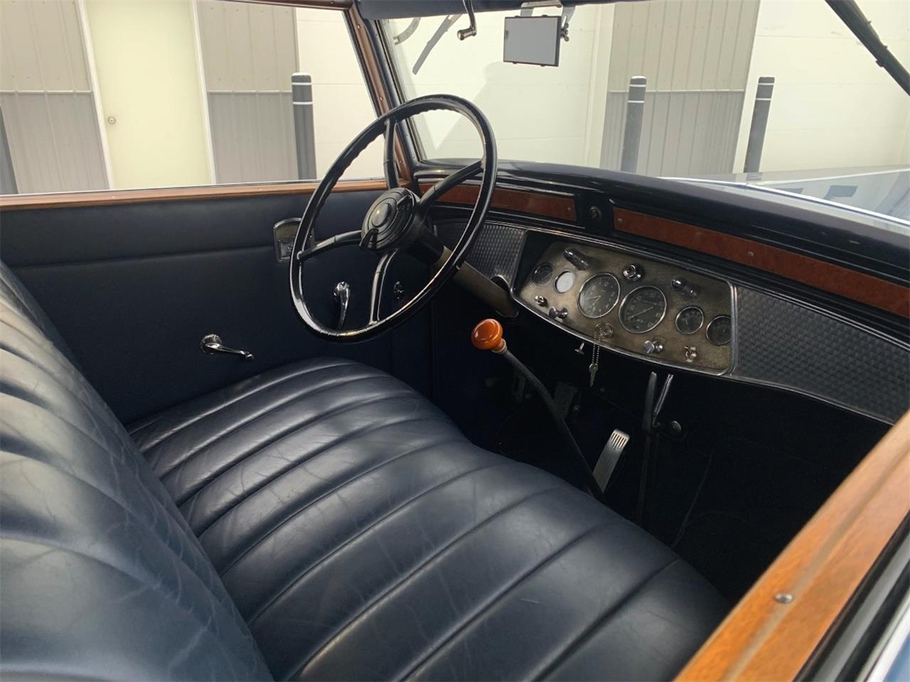 1930 Cadillac V-16 Fleetwood