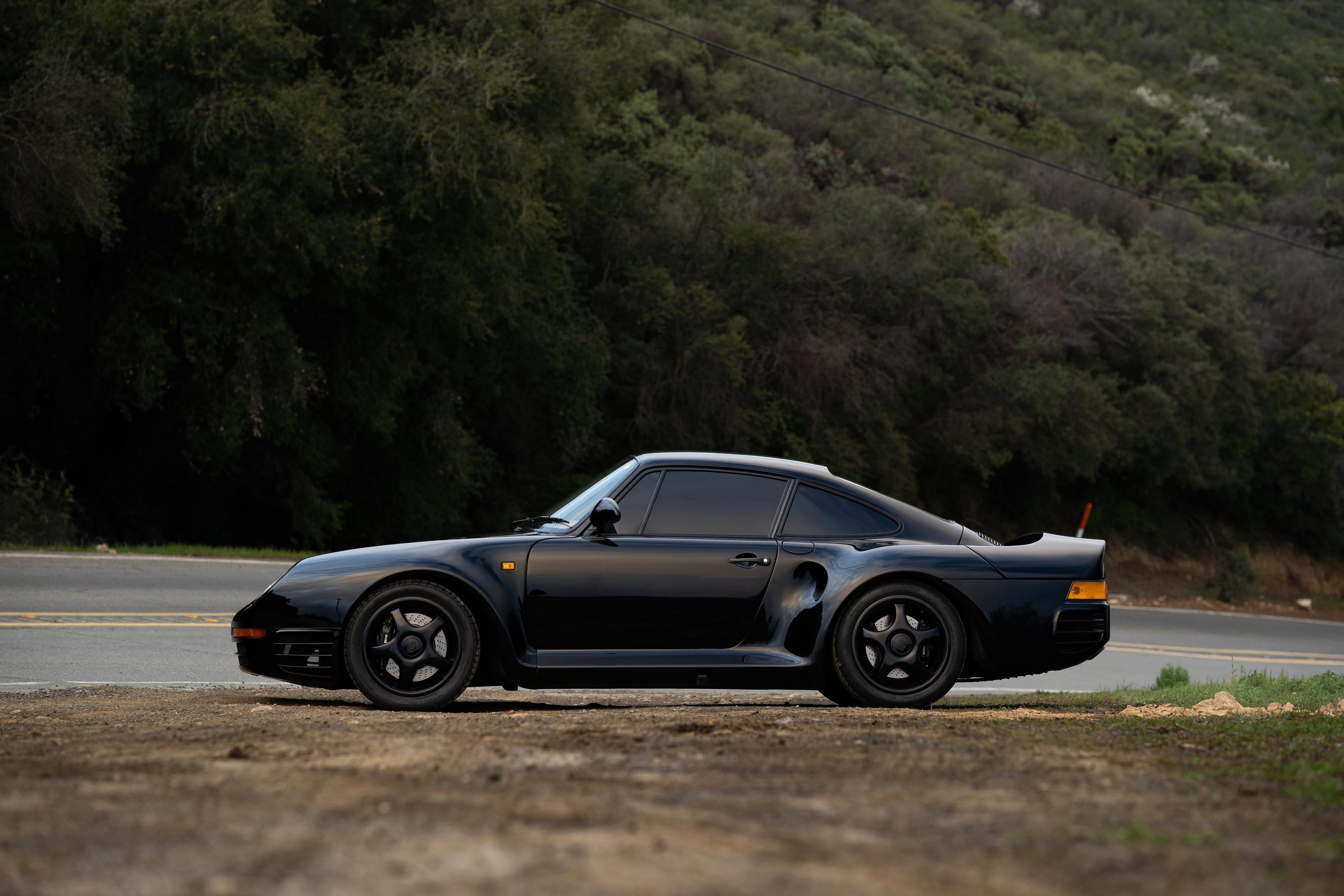 Black Porsche 959