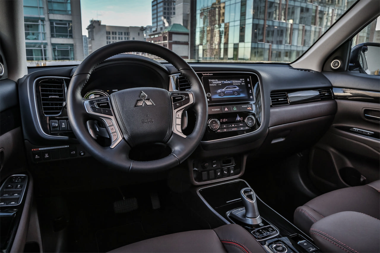 Review 2019 Mitsubishi Outlander PHEV