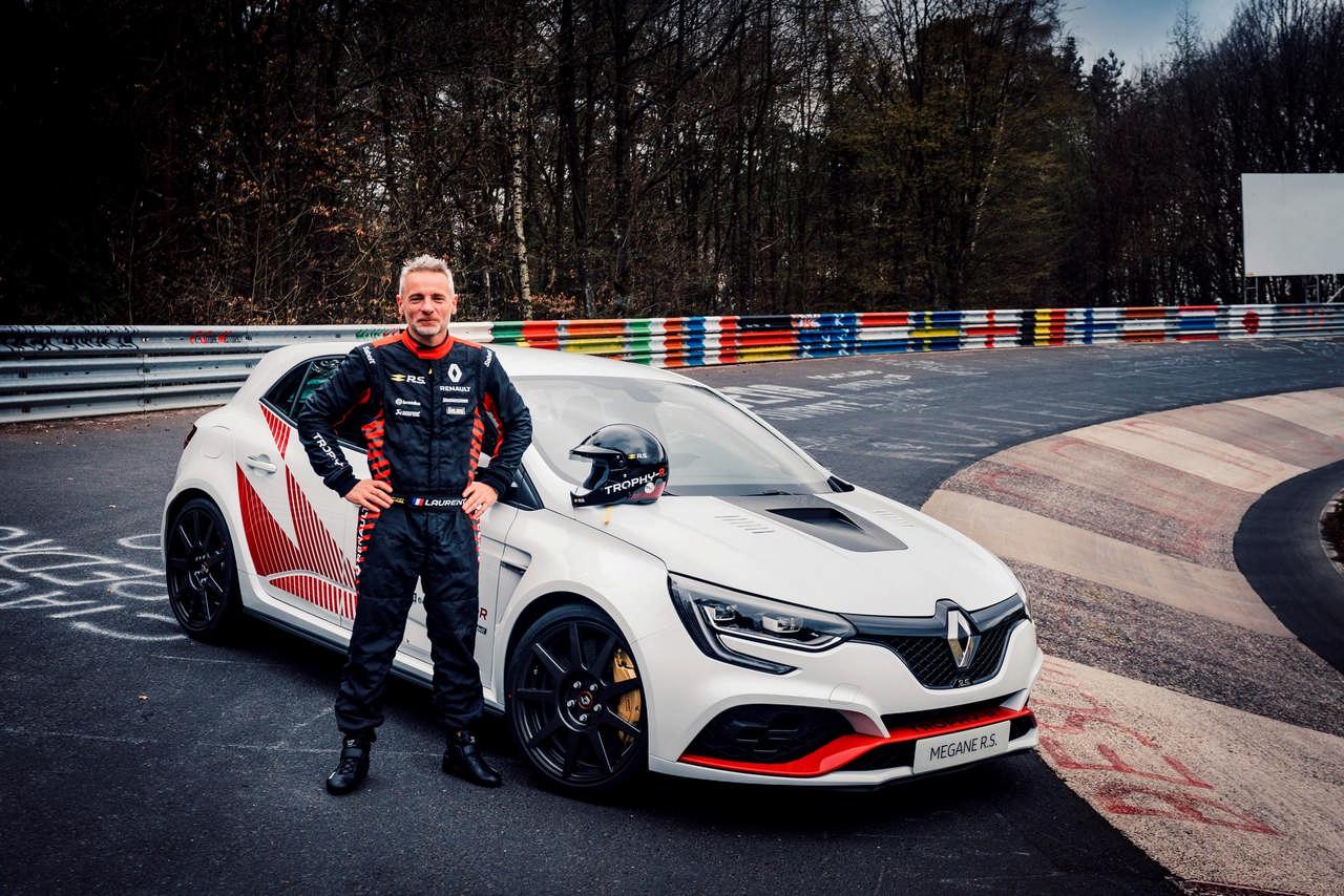 Renault Mégane takes Civic Type R's Ring Record