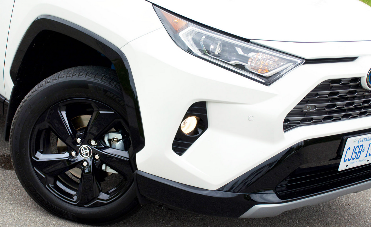 Review 2019 Toyota RAV4 Hybrid