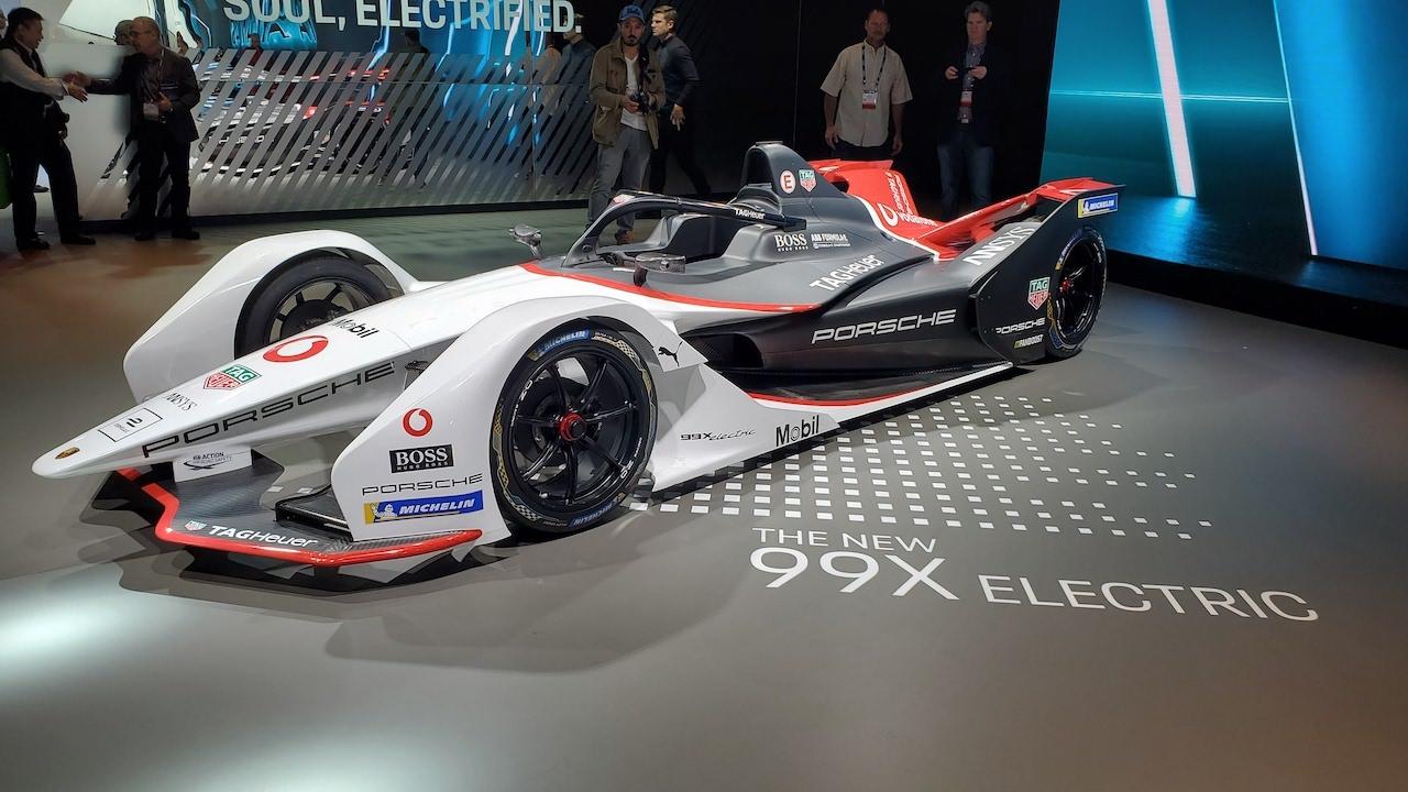 Taycan 4S, Macan Turbo headline Porsche debuts in Los Angeles