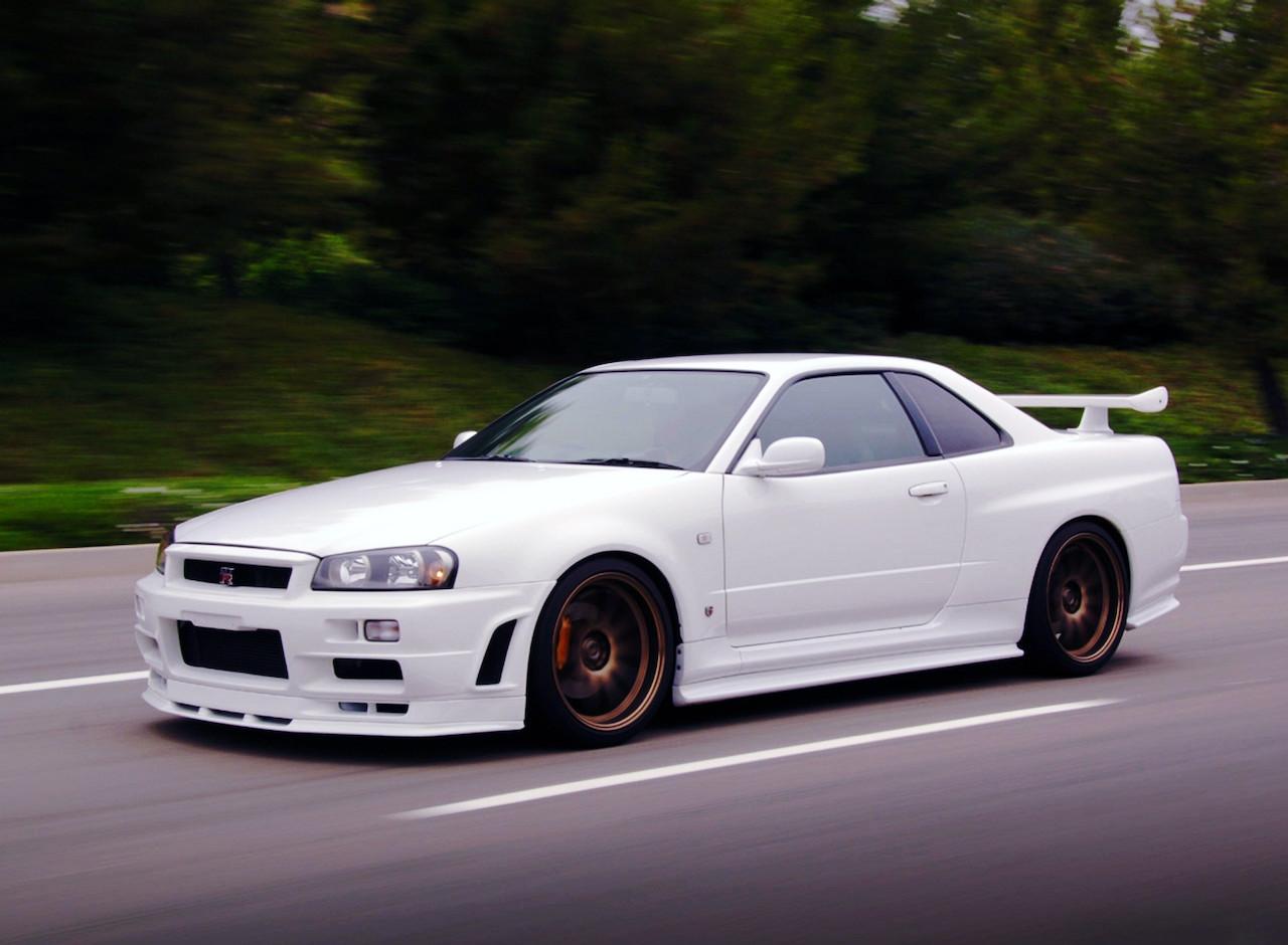 white R34 GT-R 1999