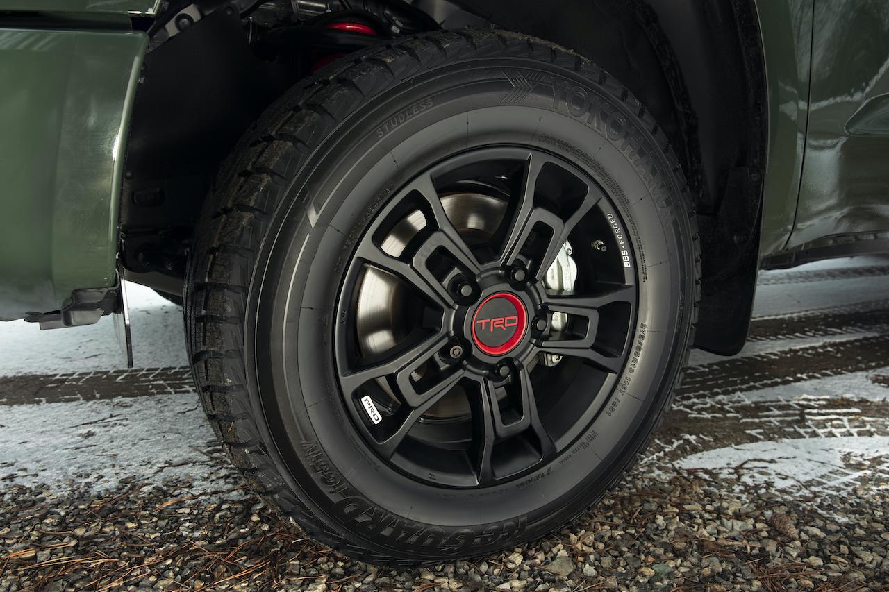 Nissan Titan vs Toyota Tundra