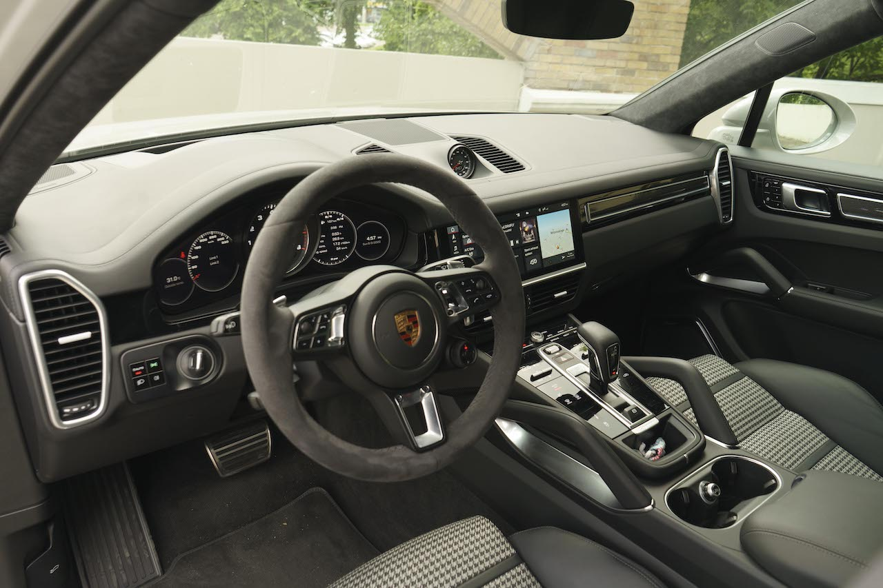 Review 2020 Porsche Cayenne Turbo Coupé