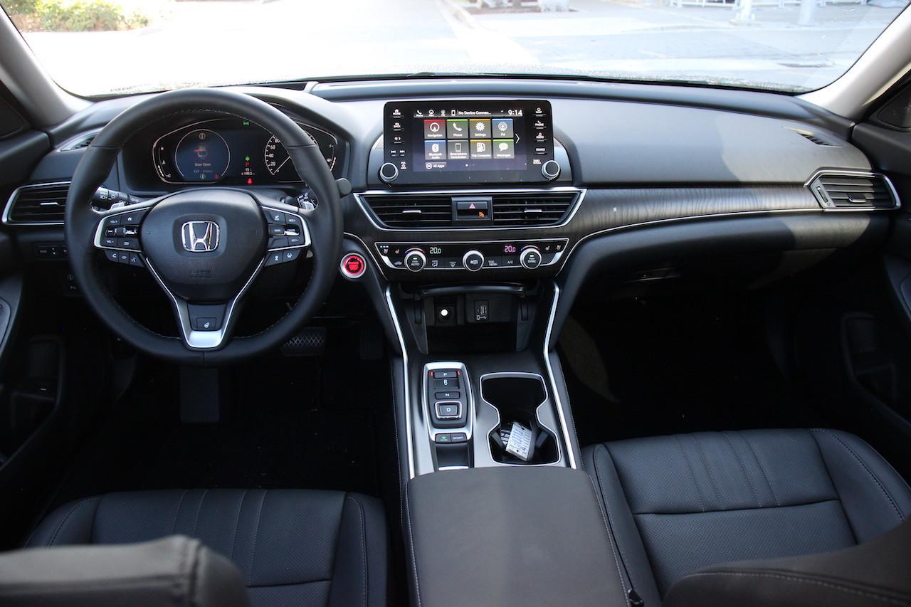 Review 2020 Honda Accord Touring