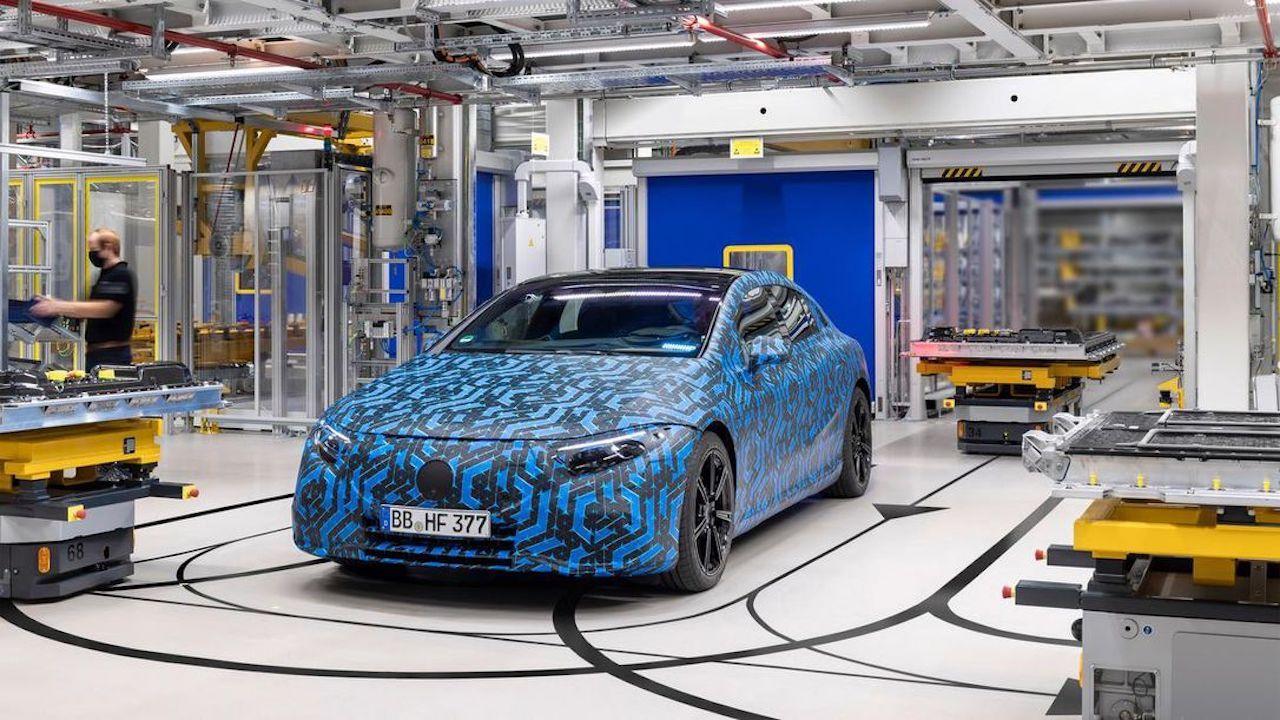 News Roundup Ev Vans Mercedes Eq Models Augmented Reality Showroom And More Wheels Ca