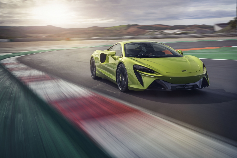 2022 McLaren Artura