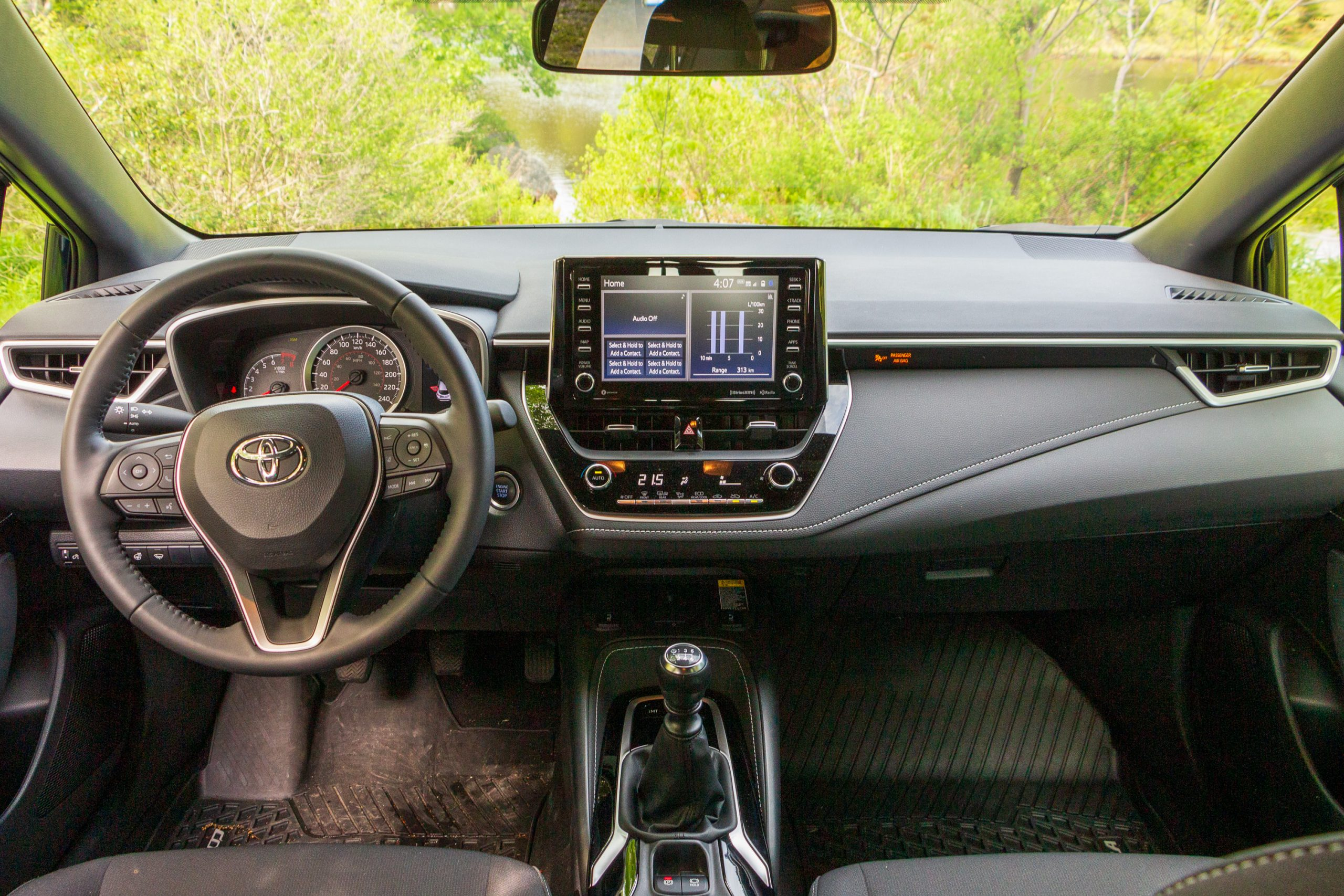 2021 Honda Civic vs 2021 Toyota Corolla