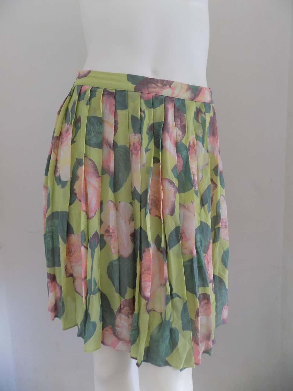 Blumarine Green Flowers Skirt Blumarine | Skirts | LBGONNA01A020AEVERDE MULTI