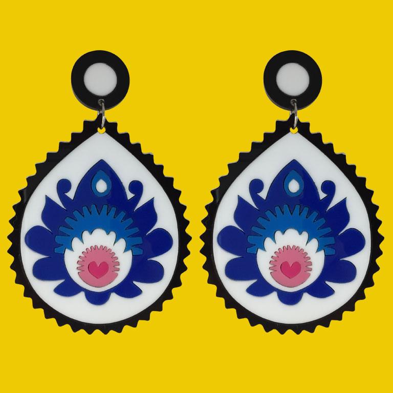 Doodad Fandango | Earrings | FOLK YOU UPBLUE WHITE