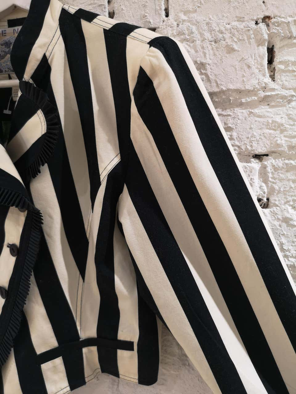 Kenzo off white and Black Flower Jacket Kenzo | Jackets | LE01930XS0BIANCO NERO