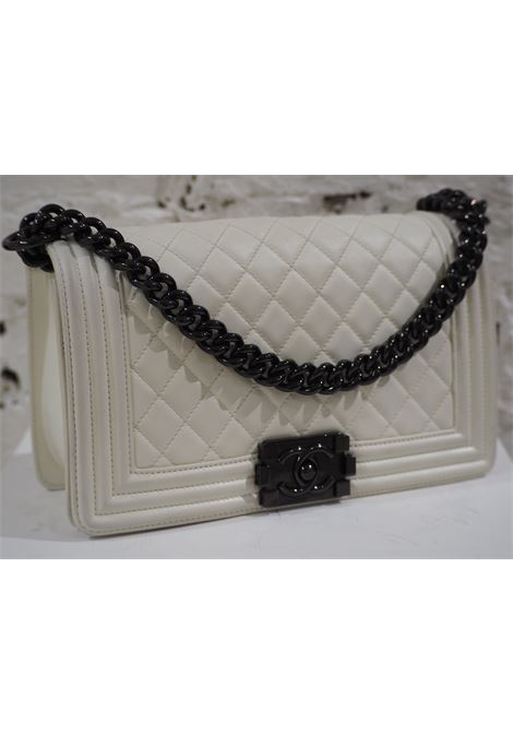 Chanel boy white black chain shoulder bag CHANEL | Bag | AT020ZAA26EE00BIANCO