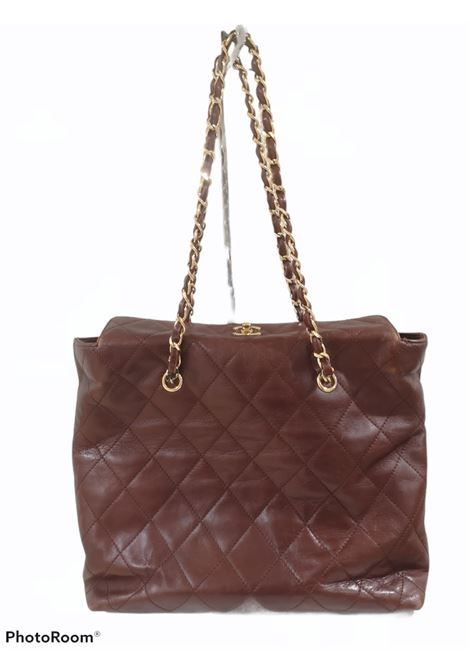Chanel brown leather gold hardware shoulder bag Chanel | Bags | AMGV021A8XS0DCMARRONE
