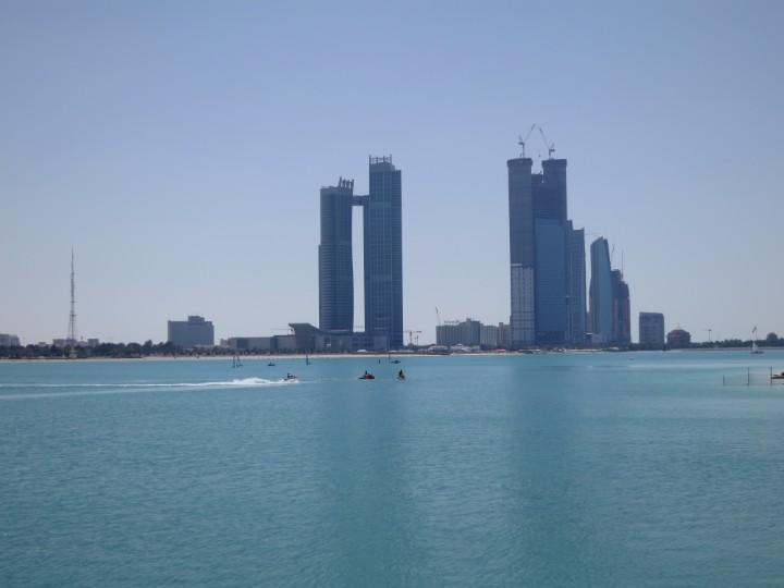 Abu Dhabi Population in 2018