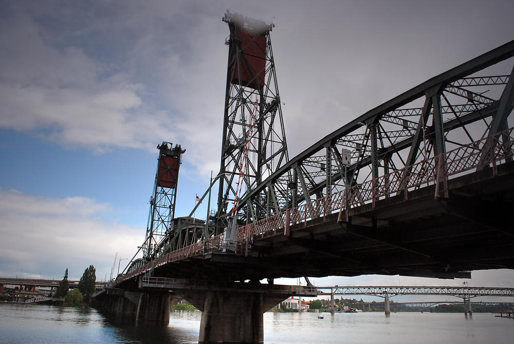 Hawthorne Bridge in Portl... | Photos by Pinta