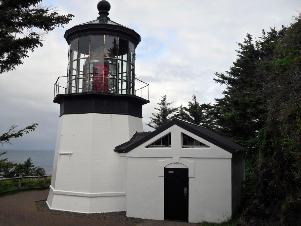 Cape Meares Lighthouse, N...   Photos by Pinta
