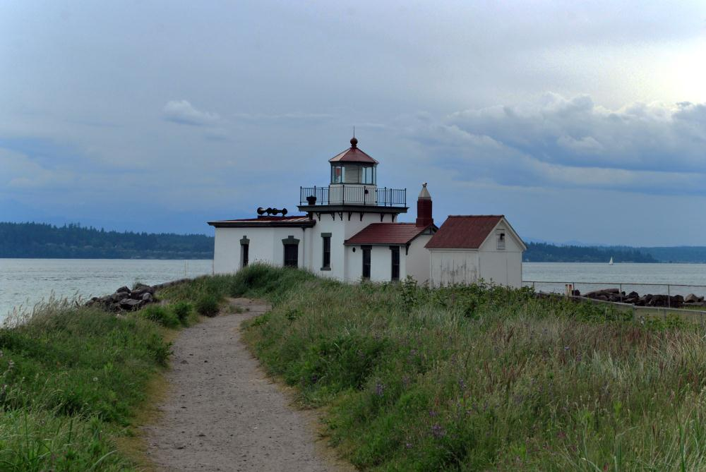 Discovery Park Lighthouse...   Photos by Pinta