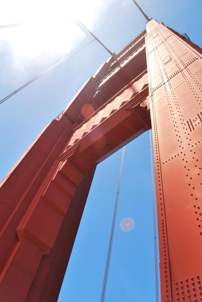 Skyward Golden Gate Bridg... | Photos by Pinta