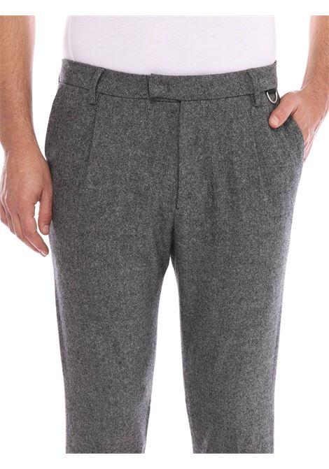 Pantalone con passanti in vita LOW BRAND | Pantalone | L1PFW20215319Z107