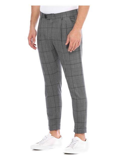 Pantalone con passanti in vita LOW BRAND | Pantalone | L1PFW20215325Z108