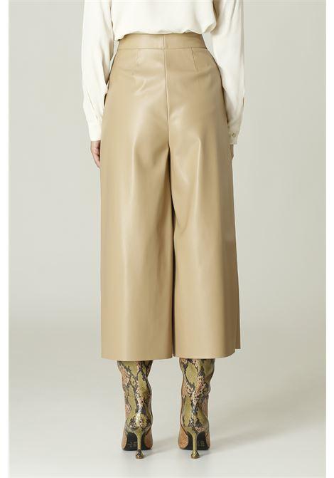 Pantalone in ecopelle MERCI   Pantalone   P296IARGILLA
