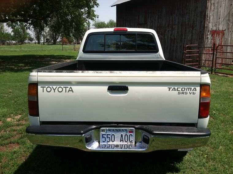 1998 toyota tacoma 4x4 for sale v6 auto vargy 39 s coyote hunting board. Black Bedroom Furniture Sets. Home Design Ideas