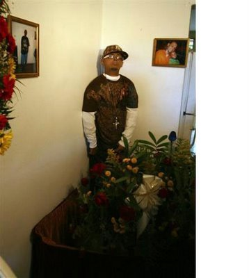 Funeral Home Does It Again Displays Dead Body On