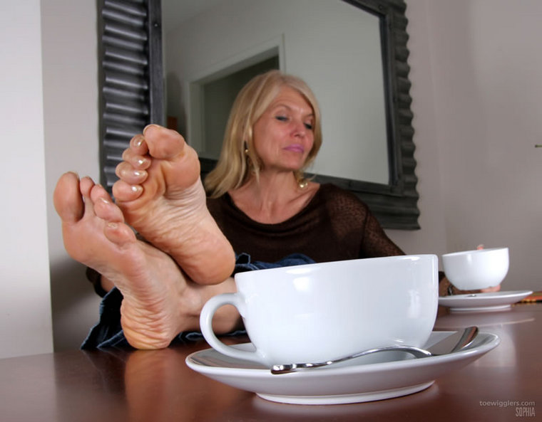 Mature Feet Sophia 10