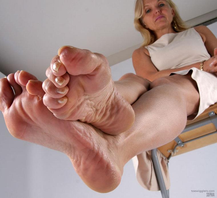 Mature Feet Sophia 119