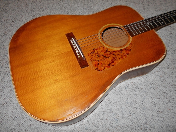 Please help identify this guitar? MODS PLEASE CLOSE   Guitar