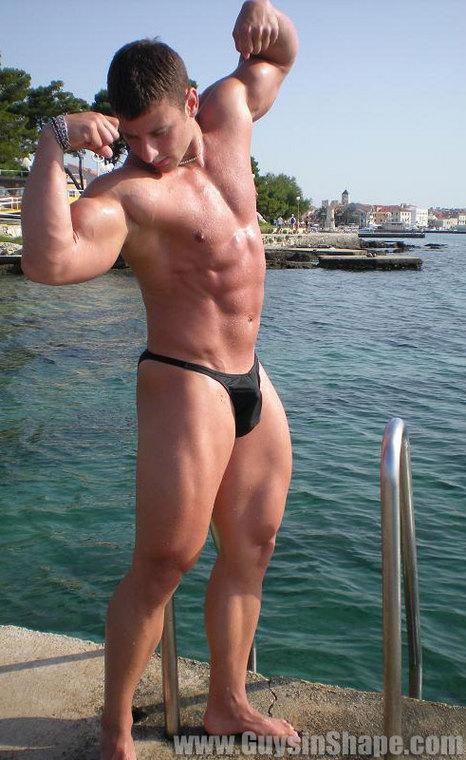 Gay bodybuilder webcam