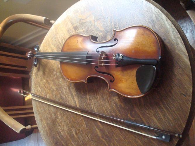 slingerland maybell guitar and vintage violin in buy and sell forum. Black Bedroom Furniture Sets. Home Design Ideas
