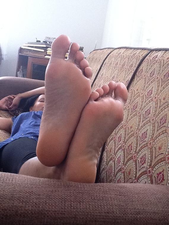 Cum on bottom of feet