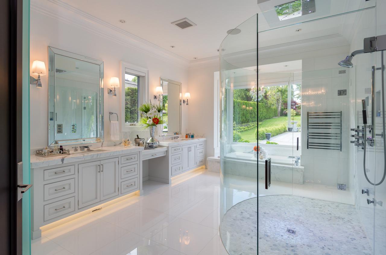 房屋图片 8 of 20 : 13283 56 AVENUE, Surrey / 素裡 - 鲁艺地产 Yvonne Lu Group - 地产专家 MLS Realtor