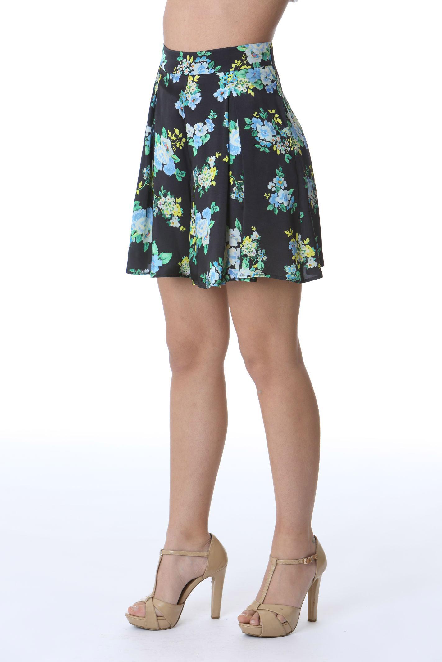 SHORT A FIORI JUCCA | Shorts | J3314028003