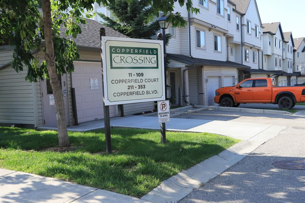 Copperfield Row/Townhouse for sale:  2 bedroom 1,115 sq.ft. (Listed 2020-08-03)