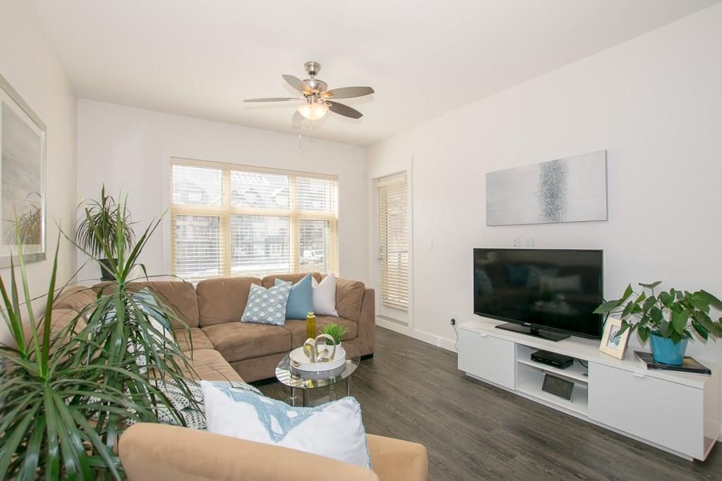 Aspen Woods Apartment for sale:  2 bedroom 1,048 sq.ft. (Listed 2020-08-04)
