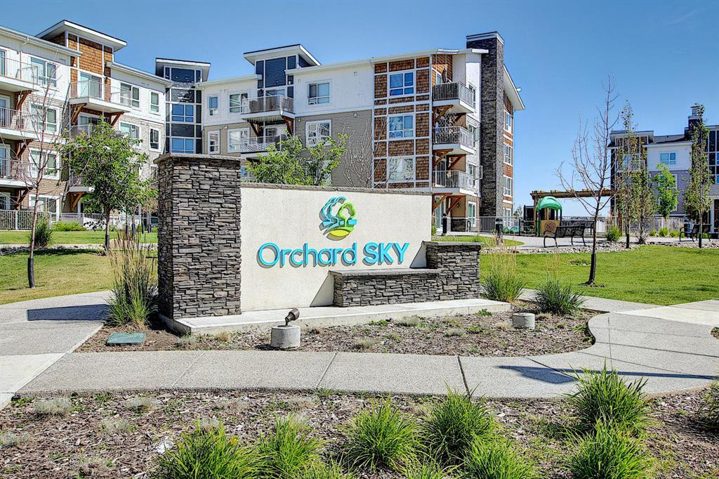 Skyview Ranch Apartment for sale:  1 bedroom 594 sq.ft. (Listed 2020-08-30)