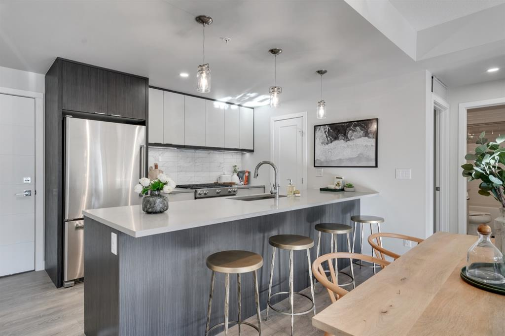 South Calgary Apartment for sale:  3 bedroom 1,000.80 sq.ft. (Listed 2021-01-10)