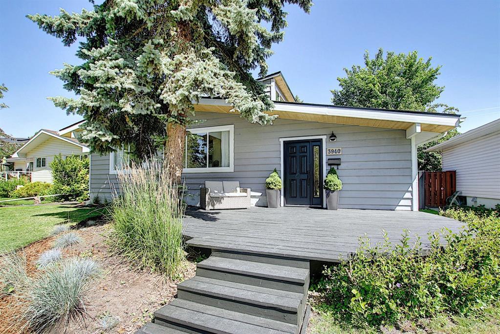Varsity Detached for sale:  5 bedroom 1,543 sq.ft. (Listed 2021-01-17)