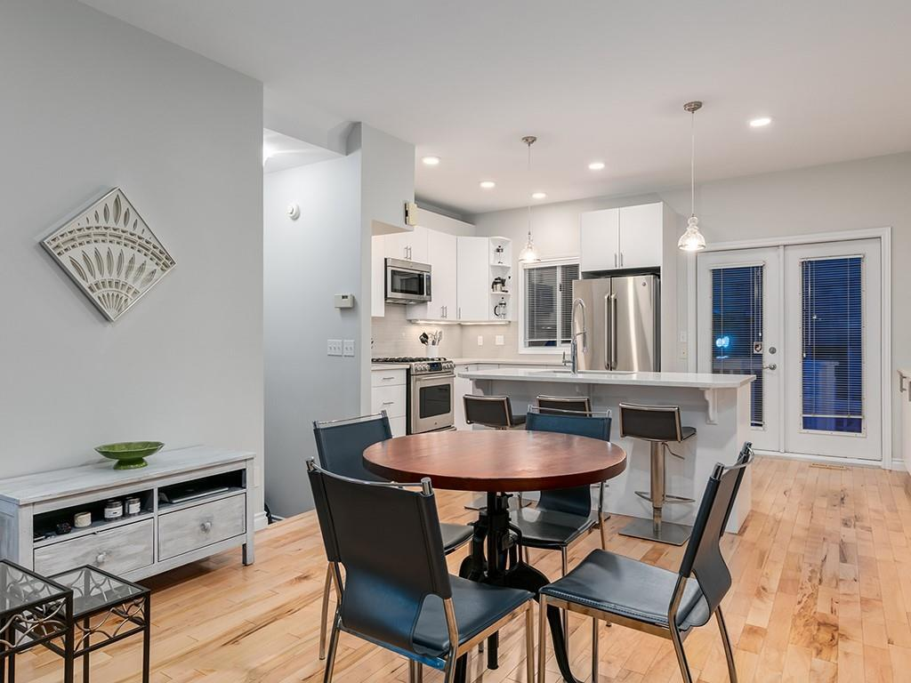 West Hillhurst Row/Townhouse for sale:  2 bedroom 1,327.30 sq.ft. (Listed 2021-03-01)