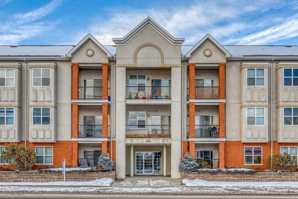 West Hillhurst Apartment for sale:  2 bedroom 898 sq.ft. (Listed 2021-02-22)