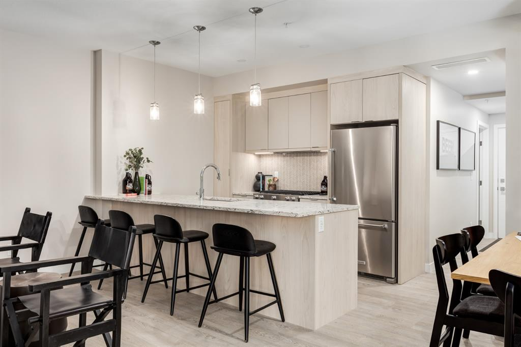South Calgary Apartment for sale:  2 bedroom 1,017.10 sq.ft. (Listed 2021-04-06)
