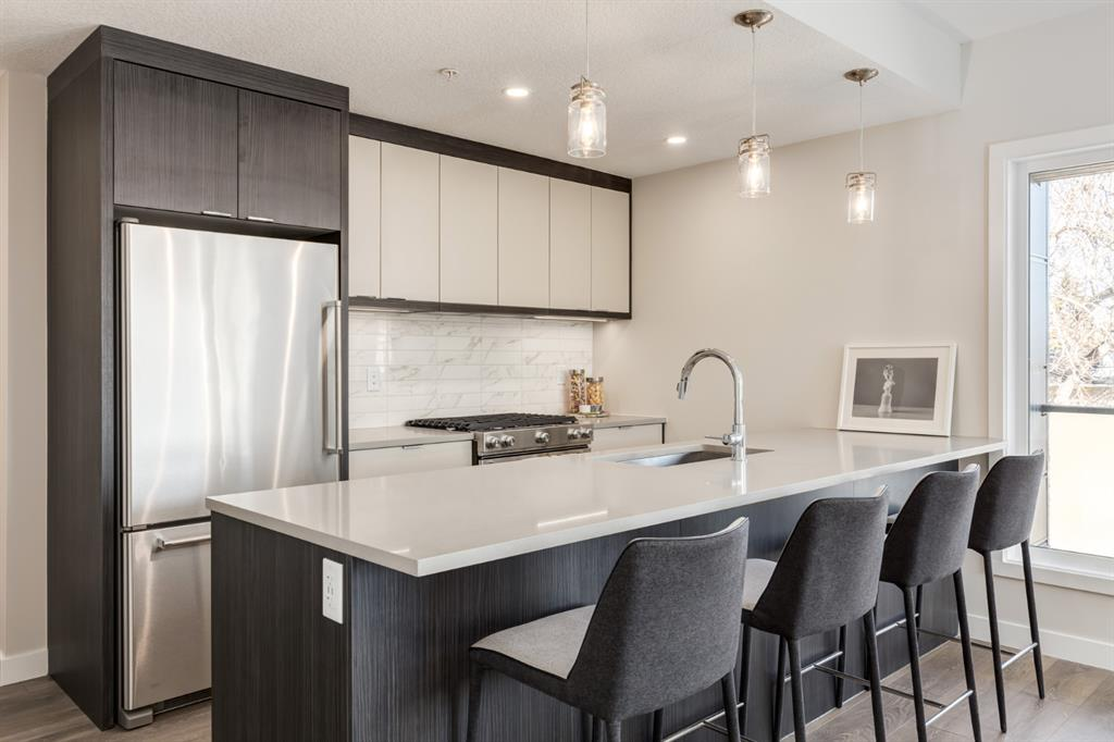 South Calgary Apartment for sale:  2 bedroom 1,014.90 sq.ft. (Listed 2021-04-06)