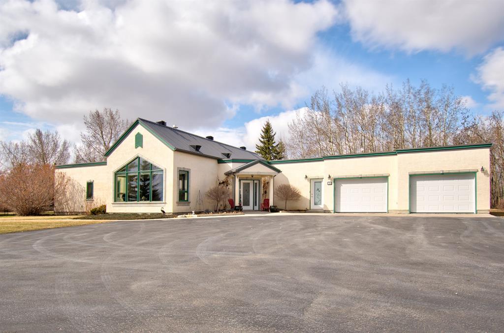 Prairie Royal Estate Detached for sale:  3 bedroom 2,612 sq.ft. (Listed 2021-04-14)