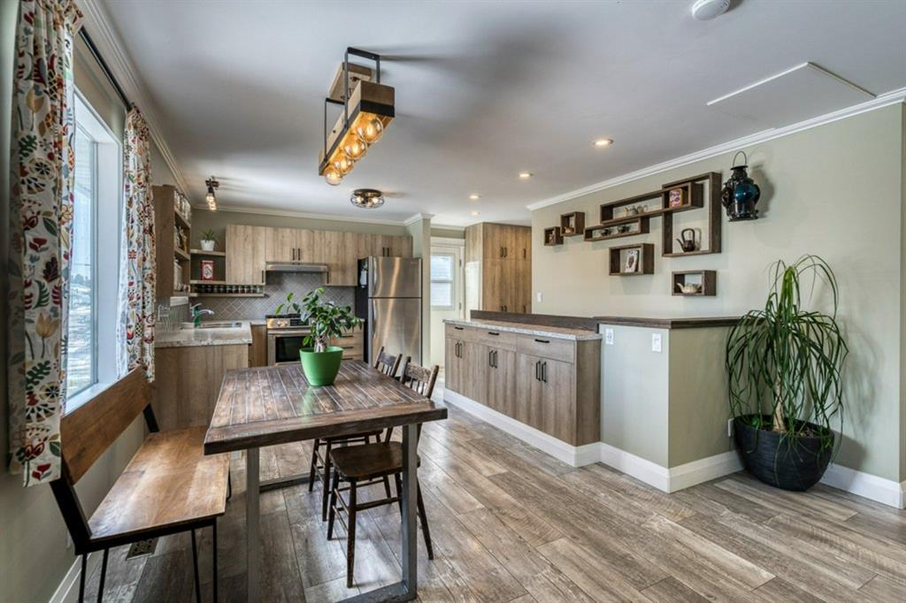 NONE Detached for sale:  3 bedroom 937.50 sq.ft. (Listed 2021-04-27)