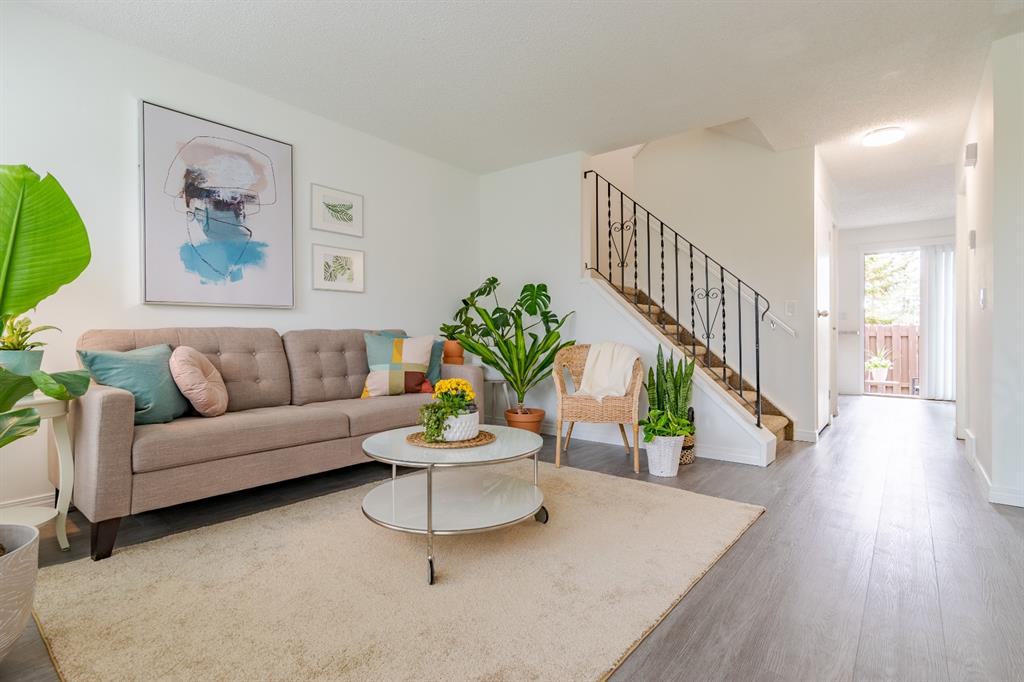 Temple Row/Townhouse for sale:  3 bedroom 959 sq.ft. (Listed 2021-05-29)