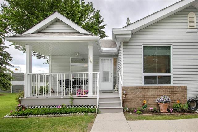 MacEwan Glen Row House for sale:  2 bedroom 984 sq.ft. (Listed 2020-06-25)