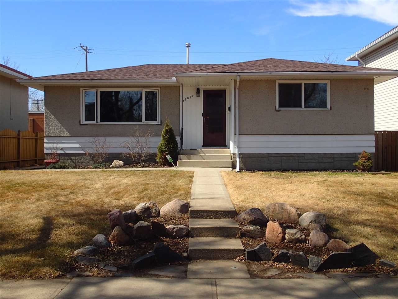 Beacon Heights Detached Single Family for sale:  3 bedroom 930.12 sq.ft.
